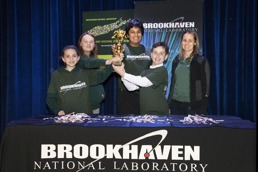Harbor Country Day School Students Place 4th in Long Island Regional Middle School Science Bowl